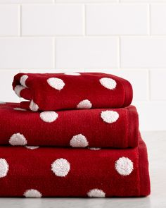 """Caro Home """"Dumbo"""" Dot 3pc Towel Set is on Rue. Shop it now."""