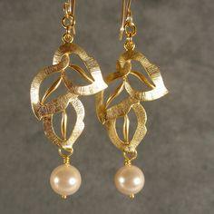 Bridesmaid Gift  Pearl Wedding Earrings Gold by ilexiadesigns, $23.00