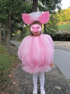 Pig costume / Pig Dress Tutu by TheCreatorsTouch Pig Costumes, Halloween Costumes, Costume Ideas, Miss Piggy Costume, Baby Halloween, Halloween 2016, Disney Halloween, Jellyfish Halloween Costume, Piglet Costume