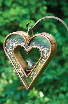 Heart Fly-Through Bird Feeder ♥