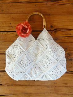 Looking at the Crochet purses and handbags or vintage Crochet handbags then Visit website press the grey tab for further info . Crochet Diy, Crochet Tote, Crochet Handbags, Crochet Purses, Love Crochet, Beautiful Crochet, Crochet Crafts, Crochet Projects, Vintage Crochet