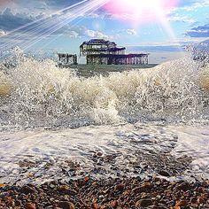 Waves crashing on th