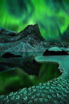 Twitter / ThatsEarth: Aurora Borealis, Alaska. ...