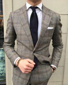Best suit color & pattern