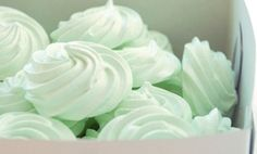 m e r i n g u e s - Meringue - Mint Mint Green Aesthetic, Rainbow Aesthetic, Aesthetic Colors, Aesthetic Images, Mint Color, Green Colors, Verde Aqua, Green Cupcakes, Wedding Mint Green