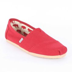 Classic never get old, get Toms Men's TOMS CLASSIC CASUAL SHOES at our Designer Studio Stores: http://www.designerstudiostore.com/contacts/