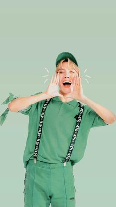 Hoseok looks so nice in green he should wear more bright colours they match his personality