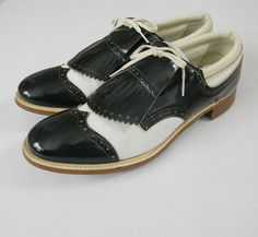 Vintage 1970s Womens Blue White Patent Kiltie Oxford Golf Shoes Soft Spikes