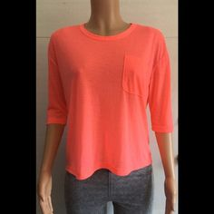 Funktional brand knit  top. Like new Bust (armpit to armpit) is 24 inches * does stretch *front length is 20 inches *back length is 24 inches * great workout shirt *3/4 sleeves *cotton/poly blend Funktional  Tops Tees - Short Sleeve