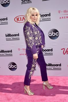 Pin for Later: Kesha Shines Bright Like the Star She Is at the Billboard Music Awards