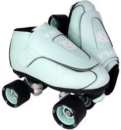 These Vanilla Junior Mint Green roller skates & durable and lightweight. Skate with confidence & style out on the roller rink in the VNLA quad speed skates. Speed Roller Skates, Outdoor Roller Skates, Roller Rink, Roller Derby, Roller Skating, Junior Mints, New Skate, Inline Skating, Skate Style