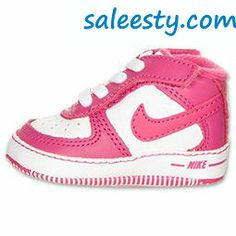 Blk n Pink Nikes cute      Want these #nike #shoes! Maybe they will motivate me to work out more! :)