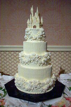 Five tier Cinderella Castle wedding cake Elegant Wedding Cakes, Beautiful Wedding Cakes, Gorgeous Cakes, Amazing Cakes, Dream Wedding, 2017 Wedding, Castle Wedding Cake, Wedding Cupcakes, Castle Cakes