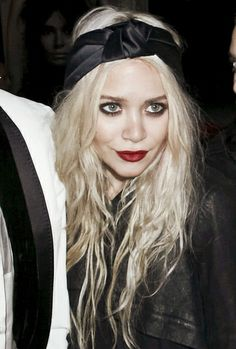 Turban headband // mary kate olsen // olsen twins // sisters // olsens // red lipstick // smokey eye // long I want her hair and face :(