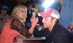 Miranda Lambert & Justin Moore. Hahahha