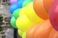 Balloon banner - Some birthday I'd like to try this.