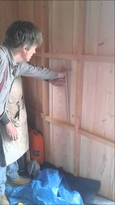 Anselm shows the interior of the and explains about applying covering strips to aid in the expansion and contraction of the exterior timber. Shepherds Hut, Douglas Fir
