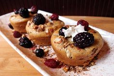 Keto French Toast Muffins - Net Carbs - These french toast muffins will cut the craving for french toast right down. Served with whipped cream this is a devilishly delicious treat to have for breakfast - and they save well! (uses Almond Flour) Lowest Carb Bread Recipe, Low Carb Bread, Low Carb Keto, Keto Bread, Bread Baking, Keto Carbs, Low Carb Desserts, Low Carb Recipes, Dessert Recipes