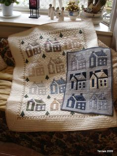"""Yesterday I was """"teaching"""" patchwork. I have no idea how one teaches patchwork. House Quilt Block, Quilt Blocks, Quilt Kits, Small Quilts, Mini Quilts, Paper Piecing, Miniature Quilts, Antique Quilts, Primitive Quilts"""