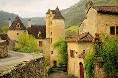 bluepueblo:  Medieval Village, Autoire, France photo via sheri
