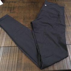 Lululemon Wunder Under Yoga Leggings Sz 6- worn once- GREAT CONDITION lululemon athletica Pants