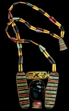 Ancient Egyptian Necklace with scarab and lotus Ancient Egyptian Jewelry, Egyptian Scarab, Egypt Jewelry, Long Pearl Necklaces, Ancient Artifacts, Ancient Civilizations, Ancient History, Archaeology, Antiquities