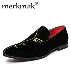 Merkmak 2017 New Arrival Men Loafers Black Velvet Handmade Flats Shoes Fashion Wedding Party Men Dress Shoes Embroidery Loafers