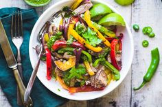 Steak Fajita Bowls with Chimichurri Sauce is an easy gluten free 30 minute meal that gives you that just off the grill flavor right on your stovetop! Jelly Recipes, Salad Recipes, Beef Recipes, Chicken Recipes, Raspberry Lemon Cakes, Strawberry Cakes, Greek Lemon Potatoes, Roasted Olives, Food Cakes