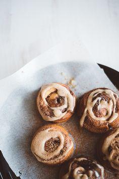 .vegan cinnamon rolls