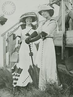 Matilde Moisant (left) poses with Harriet Quimby (right), c. 1911-1912.