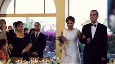 Un lugar increíble a orillas del Lago de Chapala puso el toque mágico a esta boda de María+Hugo. Un día lleno de mucha actividad donde disfrutamos de muy buenos momentos en familia y amigos de M+H. Esta historia se proyecto durante la recepción siendo una sorpresa para la nueva pareja de esposos y como siempre todo un éxito el ver a los invitados participar en este proyecto llamado SDE (same day edit)   RED carpet filmmakers  redcarpetfilms.mx