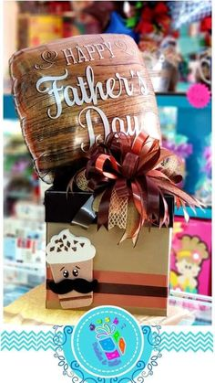 Mom Day, Store Displays, Happy Father, Fathers Day, Gift Wrapping, Christmas Ornaments, Gift Boxes, Holiday Decor, Creative