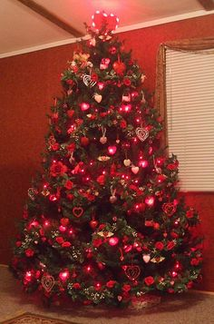 Valentine Tree get a white or pink tree from christmas clearance ...