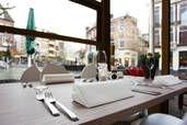 Stadscafe #Staps is sinds 2006 te vinden in het #centrum van #Nijmegen en vanaf het begin kom ik er veel. Staps is #meer als een #café want je kan er naast een #cappuccino of een #lekker #biertje ook #heerlijk #lunchen met #familie, #genieten van een #high #tea met #vriendinnen, #samen met #vrienden #gezellig #borrelen op het #terras en #romantisch #dineren kan ook #heerlijk bij Staps. Na het #shoppen zin in iets #lekkers ga dan eens langs bij Ganzenheuvel 1-3, 6511WD Nijmegen of bel…
