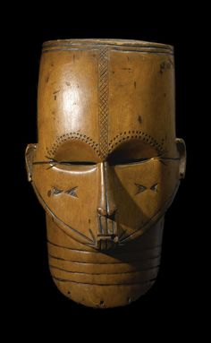 Mask from the Fang people of Gabon (Early 20th Century)