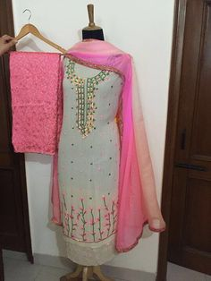 Party Wear Indian Dresses, Designer Party Wear Dresses, Kurti Designs Party Wear, Indian Wedding Outfits, Embroidery Suits Punjabi, Embroidery Suits Design, Embroidery Fashion, Embroidery Dress, Punjabi Suits Designer Boutique