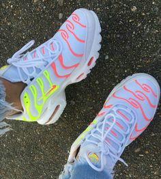 51 Ankle Street Style Shoes To Copy Today Sneakers Charming Designer High Heels Sneakers Fashion, Fashion Shoes, Tn Nike, Street Style Shoes, Street Chic, Cute Sneakers, Women's Sneakers, Nike Air Shoes, Air Max Plus