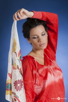 hand painted silk scarf - http://silkyway.hu/english