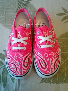 Pink Vans with a variation of the paisley look. Also known as the bandana style. Each pair is designed freehand with fabric paint. Because every pair is Custom Vans Shoes, Cute Vans, Vanz, Bandana Styles, Diy Mode, Hand Painted Shoes, Kinds Of Shoes, Designer Shoes, Me Too Shoes