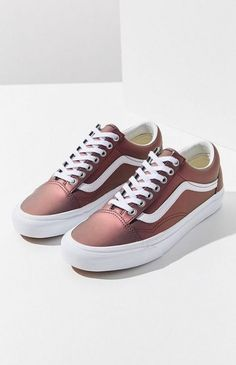Find all your women's sneaker needs at Urban Outfitters. From slip on sneakers to chunky sneakers featuring brands like Nike, Fila, adidas, Reebok & Vans. Vans Sneakers, Vans Shoes, Women's Shoes Sandals, Wedge Shoes, Casual Sneakers, Sneakers Workout, Sneakers Women, Running Sneakers, Women Sandals