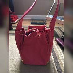 Melon colored, like new! ALL LEATHER Looks pink but melon colored, like new! Tignanello Bags Shoulder Bags
