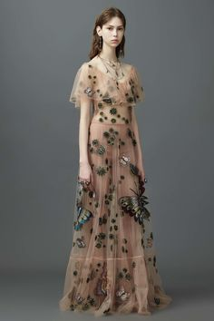 Valentino Resort 2017 Fashion Show Look 79 Valentino 2017, Valentino Resort, Valentino Dress, Valentino Couture, Valentino Women, Fashion 2017, Runway Fashion, Trendy Fashion, High Fashion