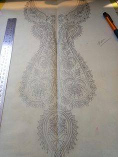 Border Embroidery Designs, Embroidery Motifs, Gold Embroidery, Machine Embroidery Patterns, Hand Work Design, Kutch Work, Embroidery On Clothes, Neck Pattern, Designs To Draw