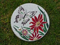 Creating Mosaic Stepping Stones in Your Garden Mosaic Flower Pots, Mosaic Pots, Pebble Mosaic, Stone Mosaic, Mosaic Glass, Mosaic Tiles, Glass Art, Mosaic Tray, Butterflies