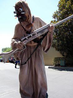 Star Wars Tusken Raider.  View more EPIC cosplay at http://pinterest.com/SuburbanFandom/cosplay/