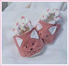 "chaussons ""petits chats roses"" sur commande"