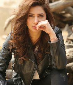 The one n only Mahira Khan Cute Girl Face, Cute Girl Photo, Girl Photo Poses, Girl Photography Poses, Girl Poses, White Photography, Mahira Khan Pics, Mahira Khan Dresses, Stylish Girls Photos