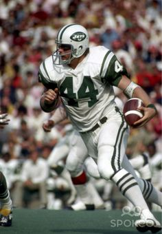 John Riggins -Running Back (New York Jets/Washington Redskins) Super Bowl Champion, Hall of fame inductee. Jets Football, Nfl Football Players, Football Helmets, School Football, Football Stuff, Football Cards, American Football League, National Football League, New York Jets
