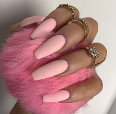 30 Manicure Ideas That Will Make You Mad For Matte – Nails art Matte Nails, Stiletto Nails, Pink Nails, Acrylic Nails, Matte Pink, Coffin Nails, Fancy Nails, Pretty Nails, Gorgeous Nails