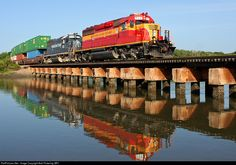 RailPictures.Net Photo: FEC 711 Florida East Coast Railroad (FEC) EMD SD40-2 at St. Augustine, Florida by Bob Pickering (BP)